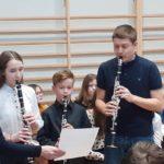 Koncert świąteczno-noworoczny wykonany przez młodzież ze szkoły podstawowej nr 13 w Olsztynie